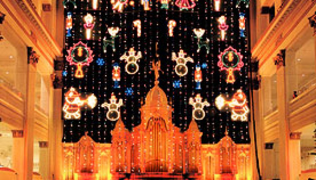 Lord-&-Taylor-Christmas-Light-Show